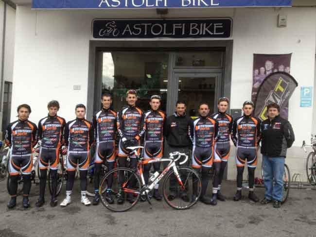 Da Campi Bisenzio riparte il 2012 della Messere Porte-Astolfi Bike ...