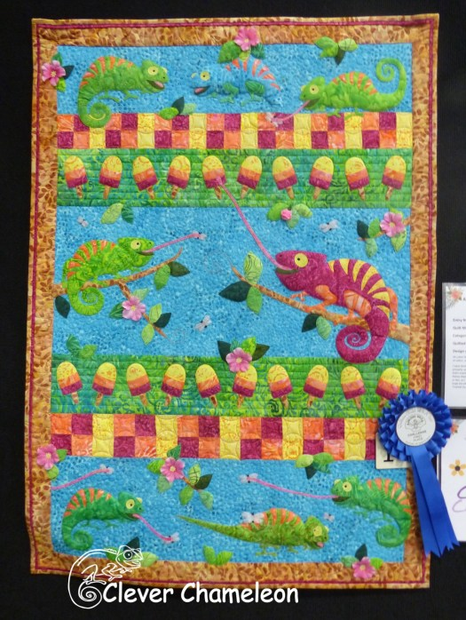 """Always Choose Tropical"" chameleon quilt at the SA Festival of Quilts. By Dione Gardner-Stephen of Clever Chameleon"
