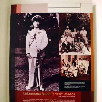 前田精海軍少将。1976年、国家・国民へのたぐいまれな貢献の栄誉としてインドネシア建国功労章が授与され、その翌年旅立つ