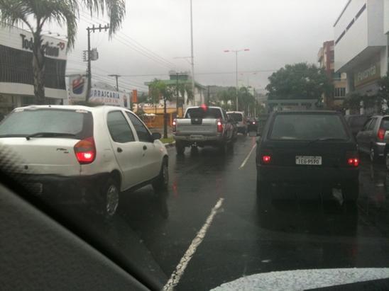 Trânsito na Terceira Avenida - foto por George Varela