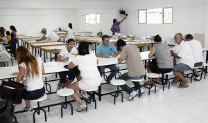 Entrega dos Carnes do IPTU Colegio Ivo Silveira 03 01 11 Foto Rafael Weiss 9