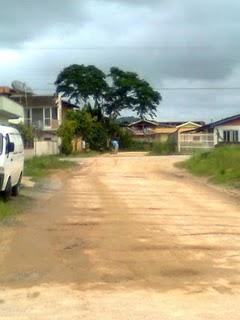 Rua Rio Grande do Norte, morador arrumando a estrada