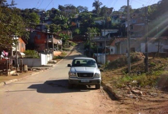 Camioneta foi encontrada no final da Rua Flamboyant, no Monte Alegre (Polícia Militar / divulgação)