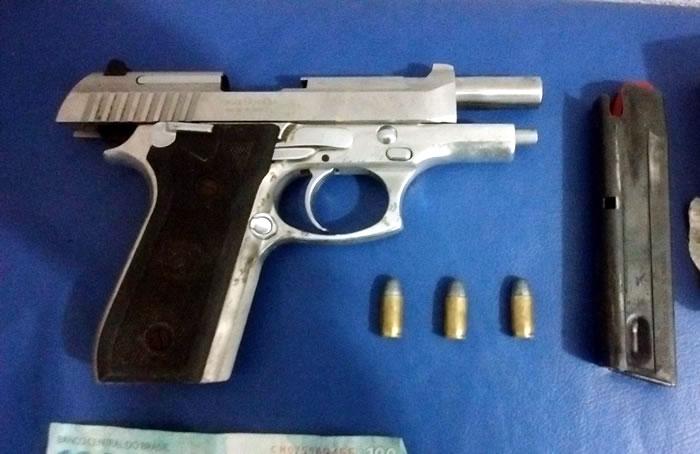 pistola cromada