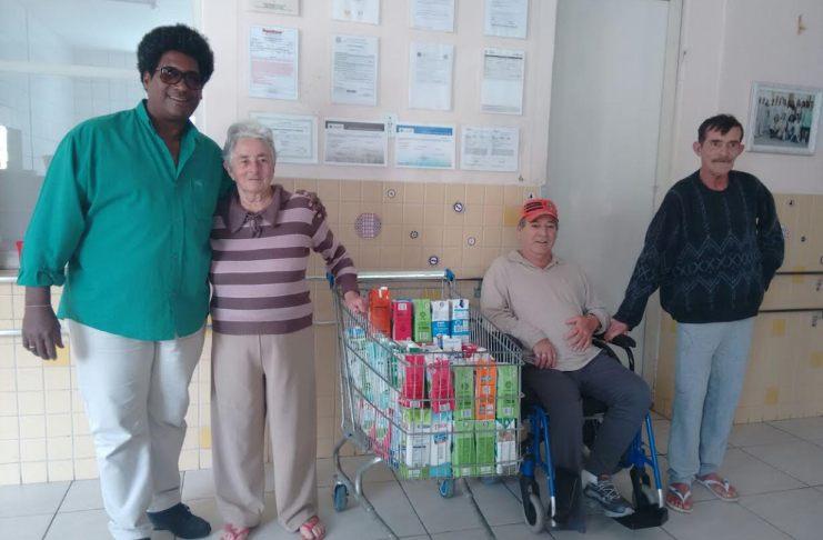 Bel Irineu entrega doações no Asilo Dom Bosco