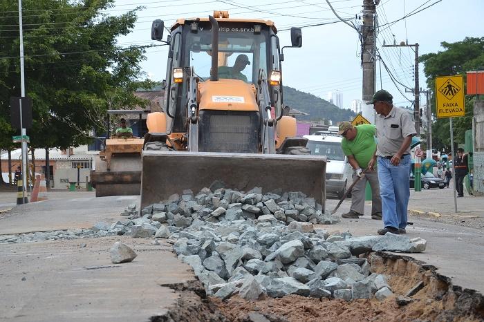 Rua Monte Agulhas Negras recebe nova camada de asfalto