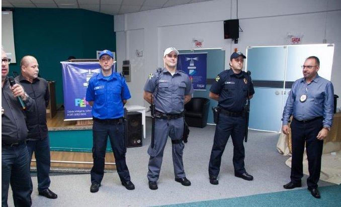 Foram divulgadas novas cores para agentes de trânsito guarda armada e guarda patrimonial