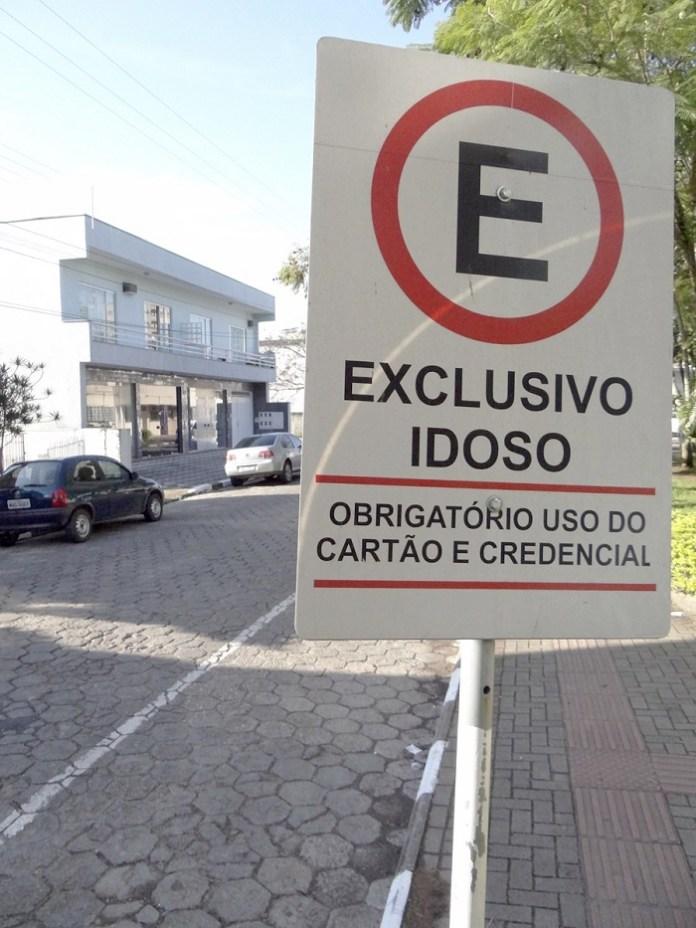 Placa estacionamento Celso