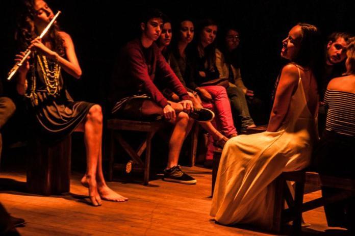 Espetáculo aborda violência contra a mulher no espaço Itajaí Criativa