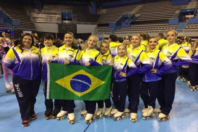 Patinadoras de Itajaí ficam em segundo lugar no Sul americano de Patinação Artística