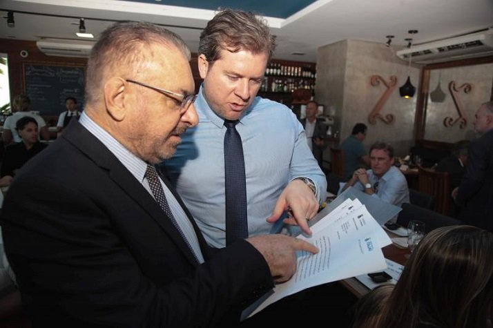 Ministro do Turismo recebe propostas do Município de Itajaí