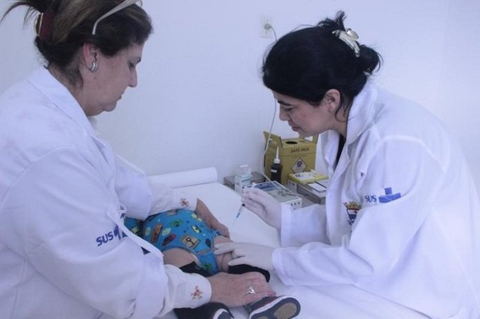 Município imuniza crianças contra pneumonias e bronqueolites