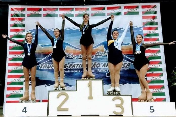 Patinadoras de Itajaí conquistam medalhas no Campeonato Catarinense