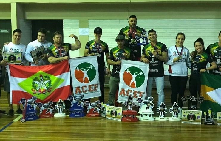 Atletas de Camboriú conquistam 14 primeiros lugares em Brasileiro de Esporte de Força
