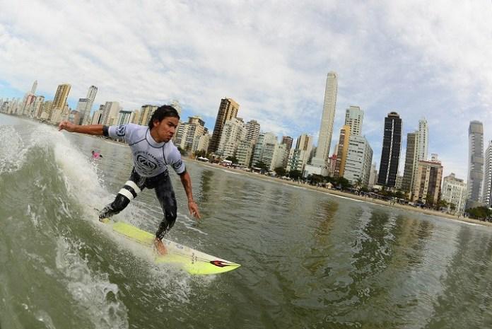 FOTO SURF