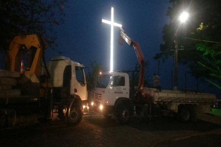 Morro da Cruz volta a ter seu símbolo