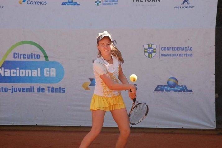 Tenista de Itajaí é campeã em Brasília