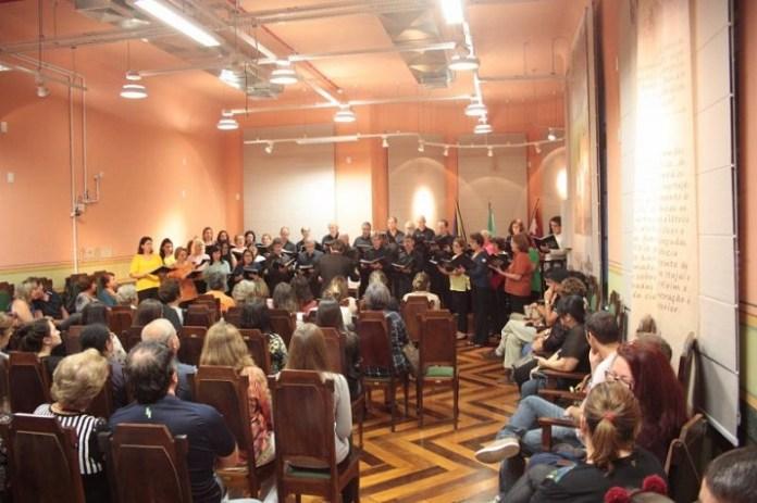 Coral Vozes Encanto participa do projeto Música no Museu