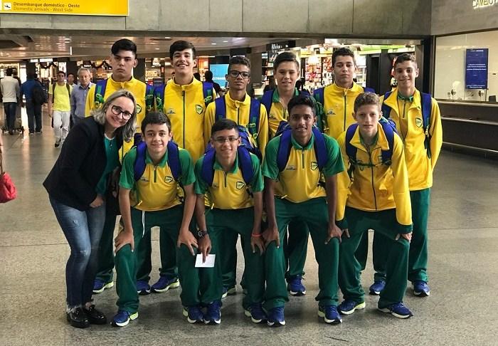 Time de futsal de Camboriú representa o Brasil nos Jogos Sul americanos Escolares