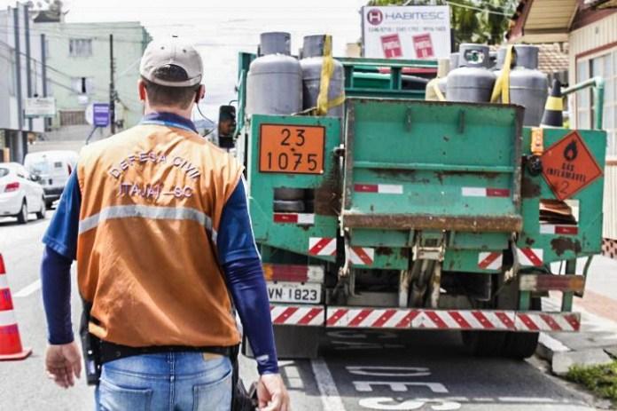 Defesa Civil orienta sobre o transporte de produtos perigosos edited