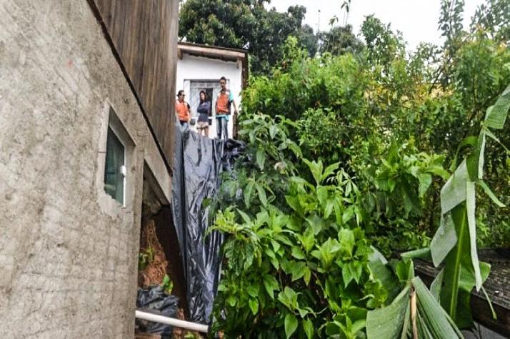 Defesa Civil realiza atendimentos pelo município e prevê melhora no tempo edited