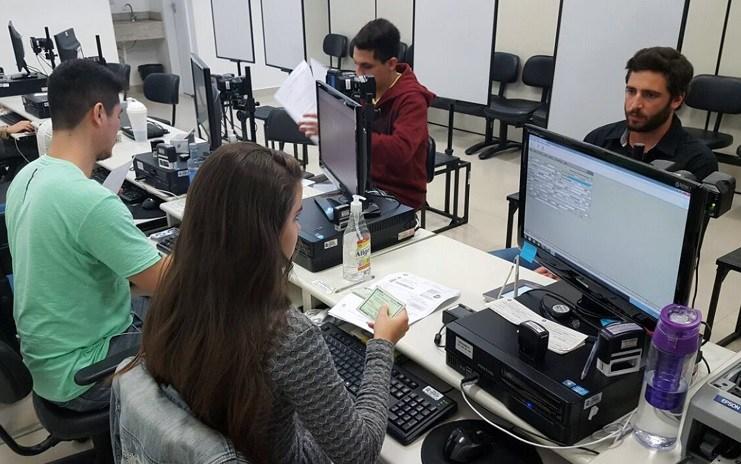 Moradores de Camboriú têm até 9 de maio para fazer o cadastramento biométrico
