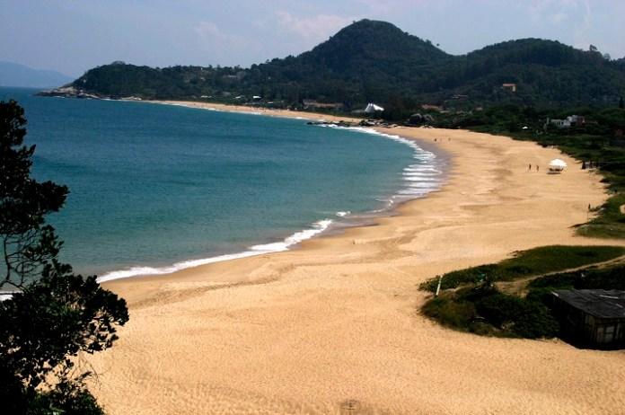Praia do Estaleiro 2 Foto Celso