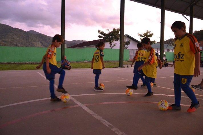 Fundação de Esportes de Camboriú inicia projeto Alimentando Sonhos