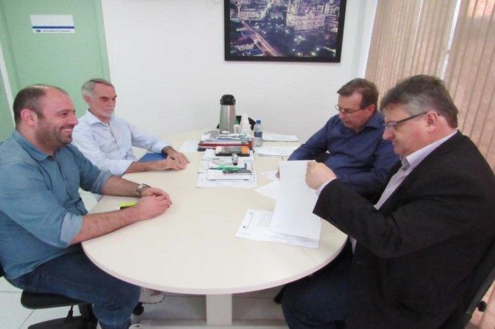 Município renova contrato com Hospital Pequeno Anjo