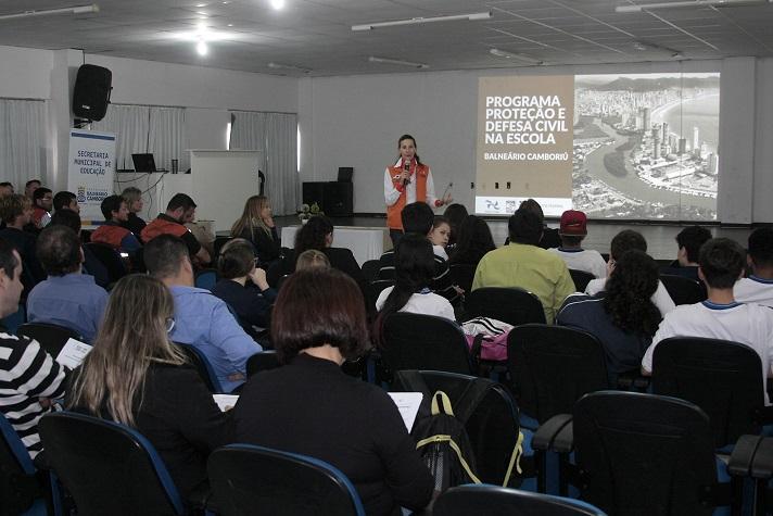 Programa Defesa Civil na Escola teve aula inaugural nesta quinta feira