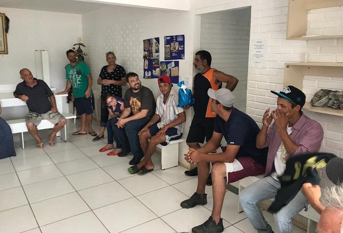 Acolhidos da Casa de Passagem do Migrante participaram de almoço de Natal