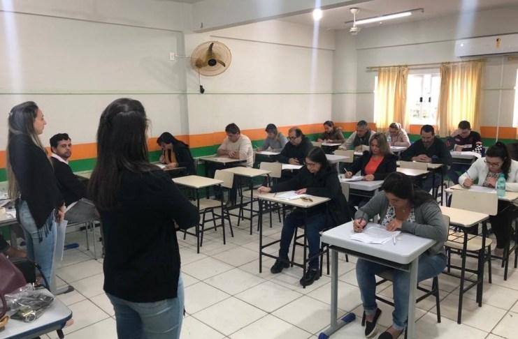 Candidatos ao Conselho Tutelar realizam prova em Camboriú