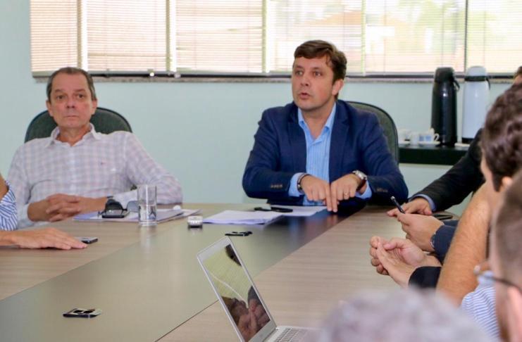 AMFRI discute legislação para avançar em relação ao uso de aplicativos de transporte na região