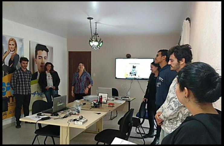 Programa Prepara realiza oficina de robótica para jovens de Itajaí