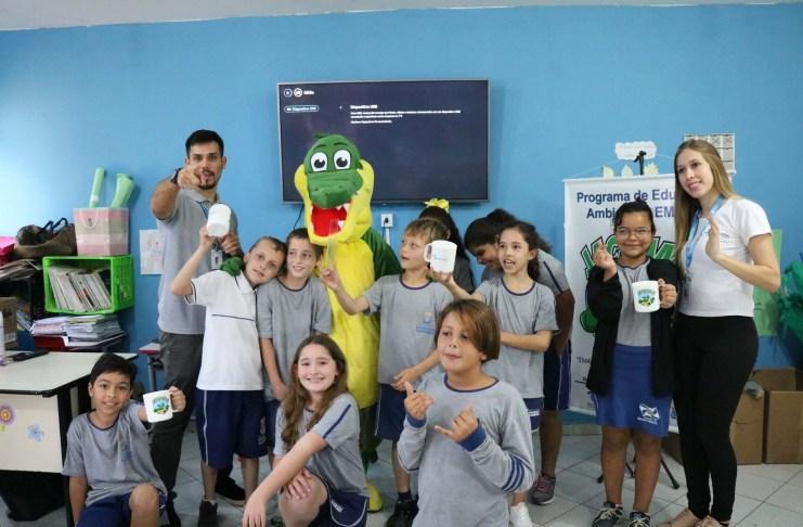 Alunos do CEM Giovania de Almeida conhecem o Programa JACAMASA