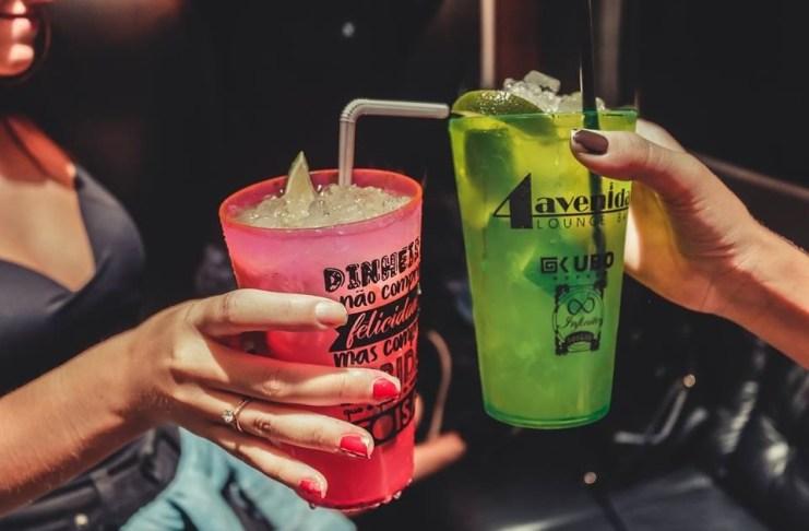 4av lounge bar