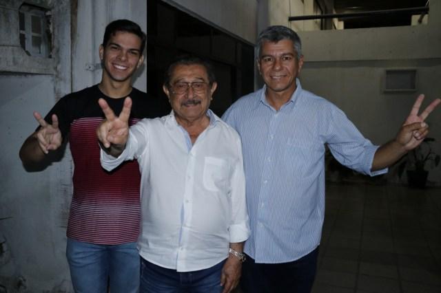 pocinhos - Maranhão inaugura comitê e recebe adesões em Campina Grande