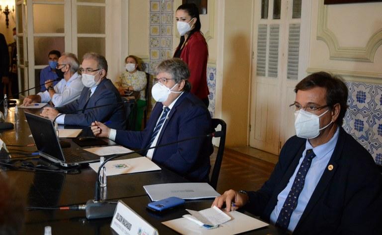 5aeaa85e-b0aa-4b80-9f50-cc20c97c6ad6 João Azevêdo recebe ministros Marcelo Queiroga e Gilson Machado e pleiteia habilitação de leitos de UTI e vacinas