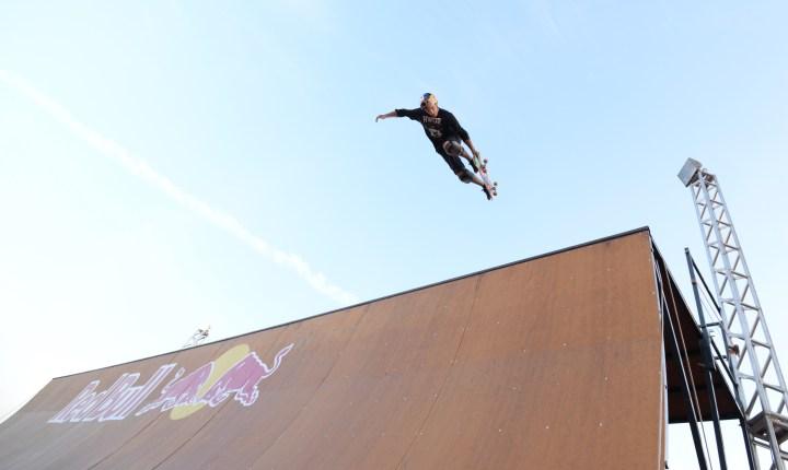 """Mineirinho traz sua """"half pipe"""" para o João Rock; skatista é presença confirmada na Arena de Esportes Radicais do festival"""