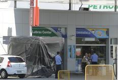 Assaltantes chegaram com fuzis, metralhadoras e dinamites para arrombar um caixa eletrônico em Porto Belo-Daniel Conzi/Agência RBS