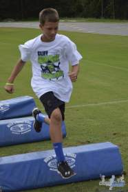 cliff_avril_2013_football_camp_105