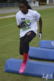 cliff_avril_2013_football_camp_107