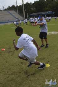 cliff_avril_2013_football_camp_123