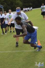cliff_avril_2013_football_camp_131