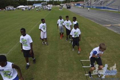 cliff_avril_2013_football_camp_140