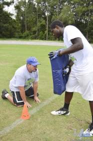 cliff_avril_2013_football_camp_18