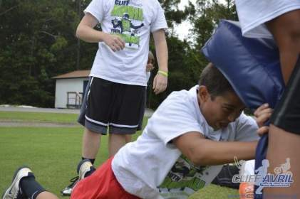 cliff_avril_2013_football_camp_27