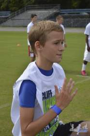 cliff_avril_2013_football_camp_50