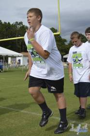 cliff_avril_2013_football_camp_54