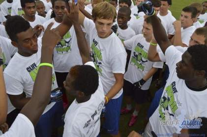 cliff_avril_2013_football_camp_92
